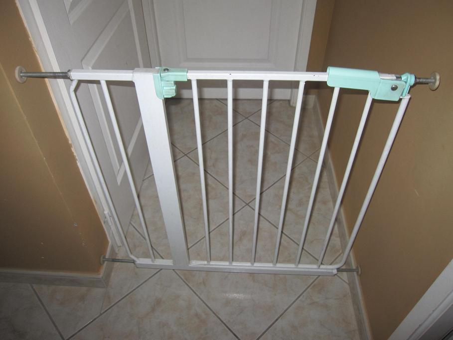 barriere de securite ikea metal ouvrante aukazoo